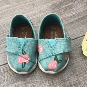 Hand painted rose tiny Toms size 2.
